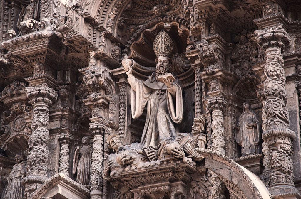 Statue of a pope in San Agustin church - Peru