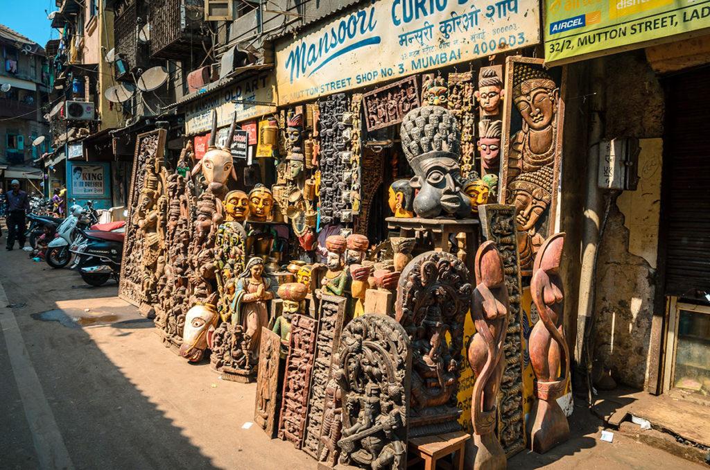 Curio and antique shop in Chor Market - Mumbai
