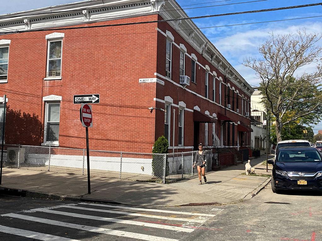 Steinway Row Houses, Astoria