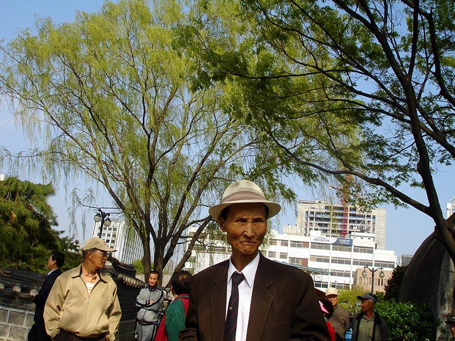 Seoul - Man in Fedora _ Thin Tie